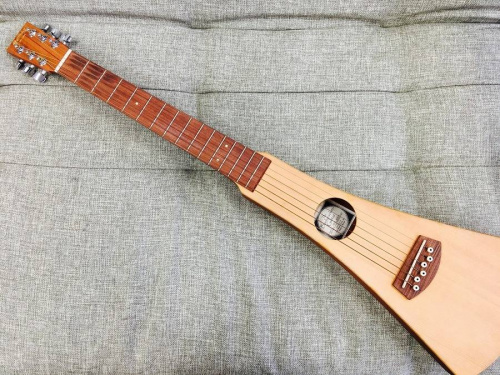上板橋楽器のアコースティックギター