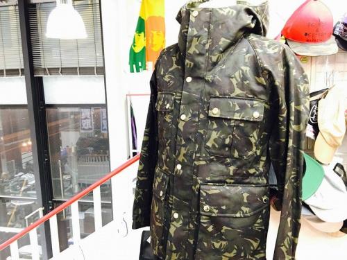 マウンテンパーカーのコート