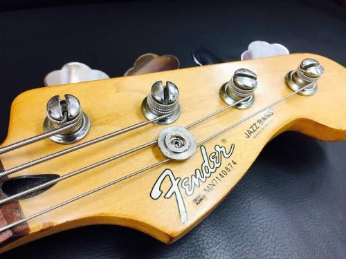 上板橋楽器のギター