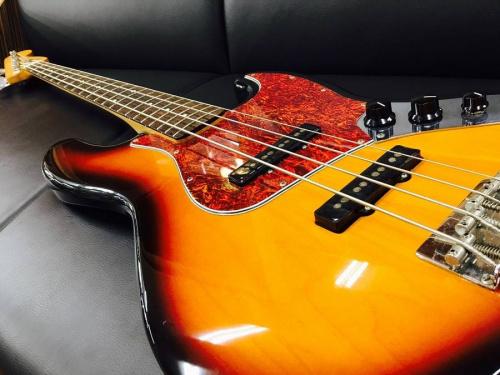 ギターのエレキベース