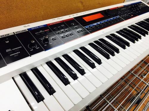 上板橋楽器のROLAND