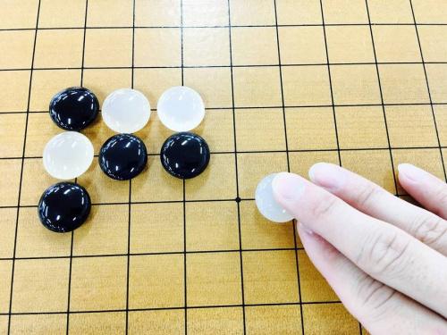 アナログゲームの碁石