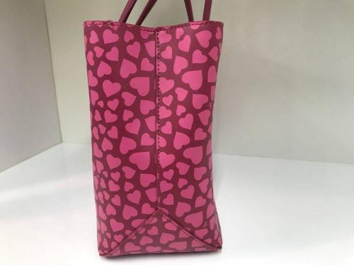 カジュアルバッグのハンドバッグ
