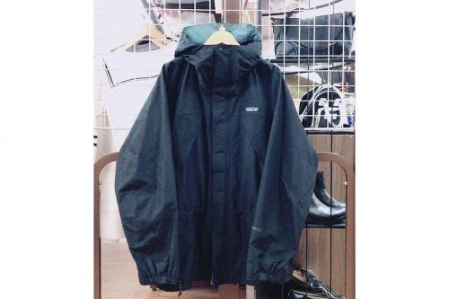 ジャケットのストームジャケット