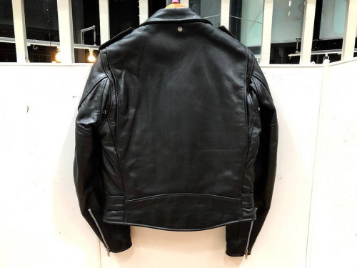 Schottのジャケット
