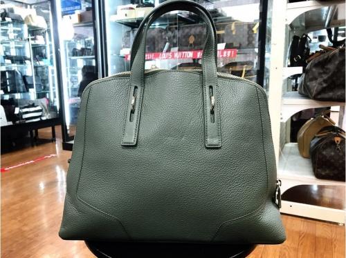 FURLAのバッグ