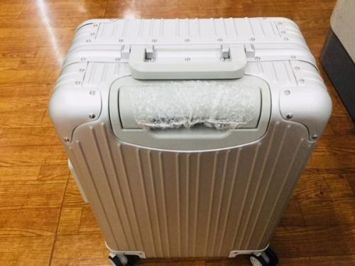 スーツケースのMetcedes Benz