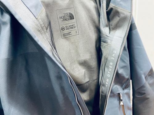 アウトドアブランドの板橋 練馬 中野 池袋 衣類 中古 買取