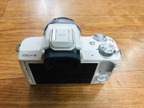 ミラーレスのミラーレスカメラ