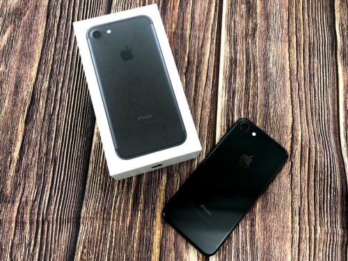 モバイル機器のiPhone(アイフォン)