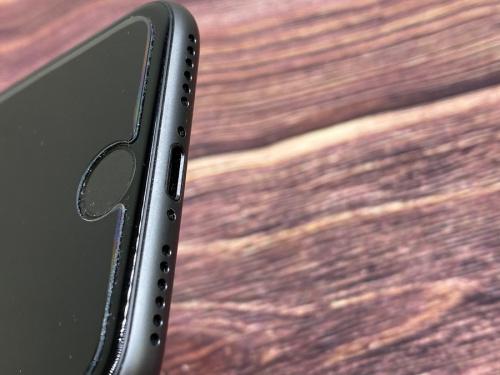 iPhone 8(アイフォン8)のApple