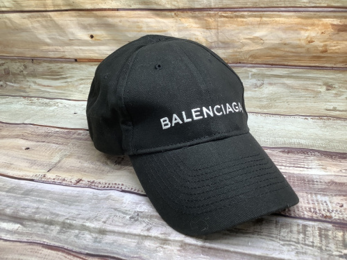 帽子の刺繍ロゴキャップ