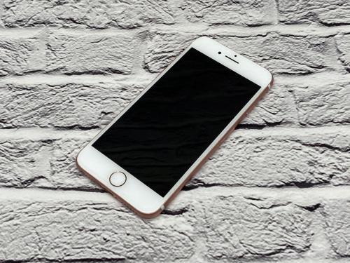 スマホ iPhone アイフォンのAPPLE アップル