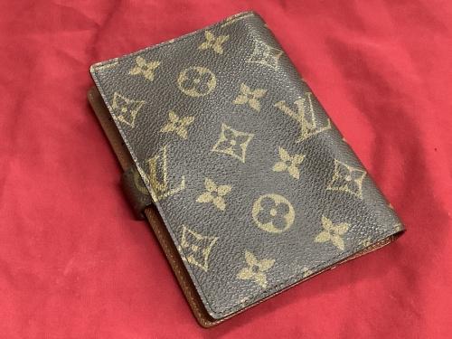 財布の手帳カバー ヴィトン