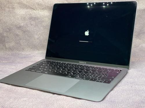 ノートパソコンのMacBookAir マックブックエアー
