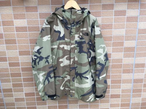ジャケットのTNFスクープジャケット