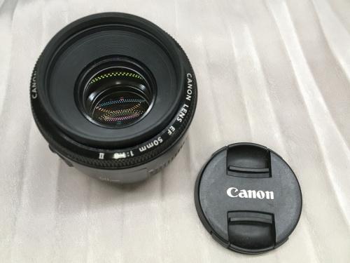 一眼レフカメラの単焦点レンズ