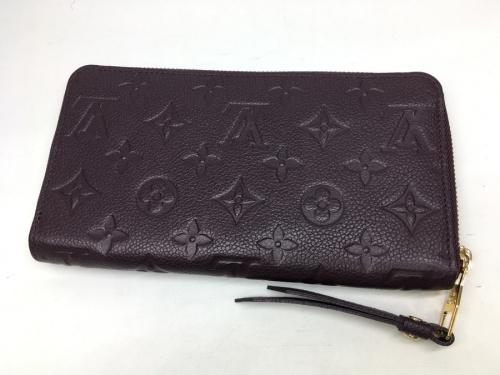 財布のポルトフォイユスクレットロン