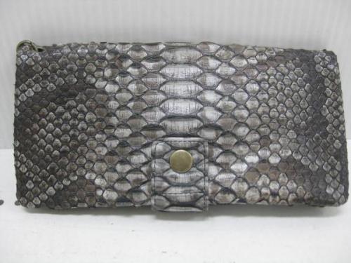 財布のパイソン