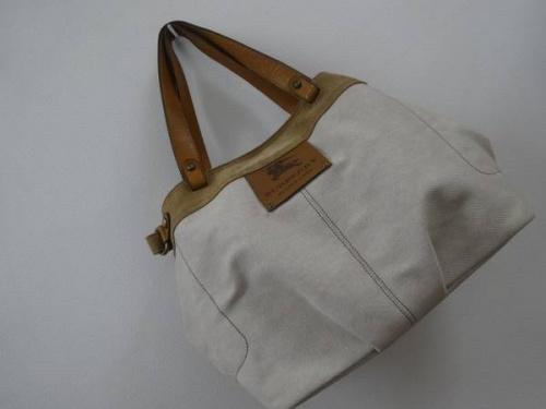 BURBERRY BLUE LABELのバッグ