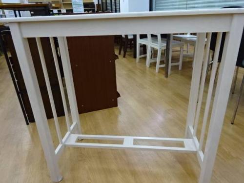カウンターテーブルの家具