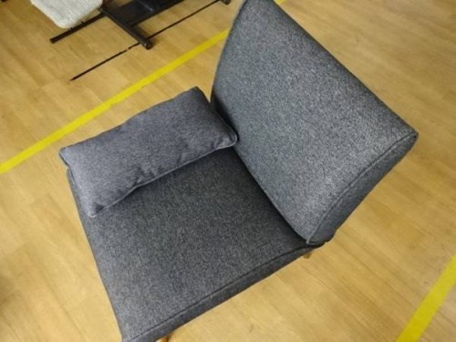 特選家具のソファ