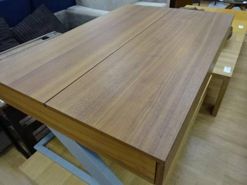 中古家具のリビングテーブル