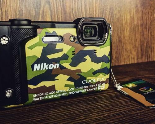 Nikon COOLPIX W300の高年式 最新 デジカメ