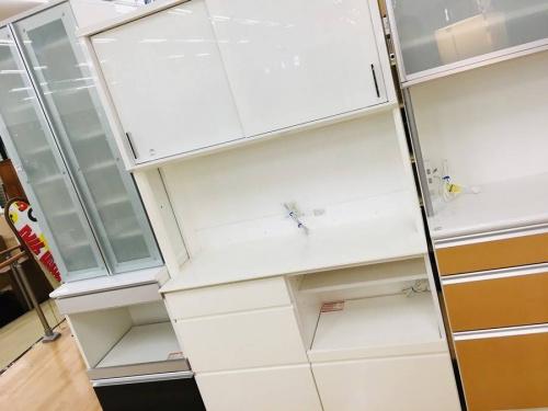 神戸 中古 家具 買取の中古食器棚 神戸