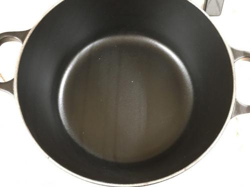 両手鍋のLE CREUSET