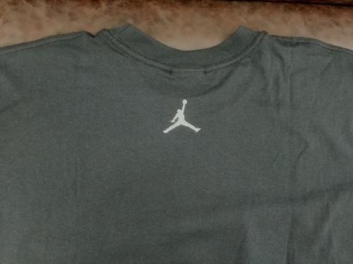 シャツのスポーツ
