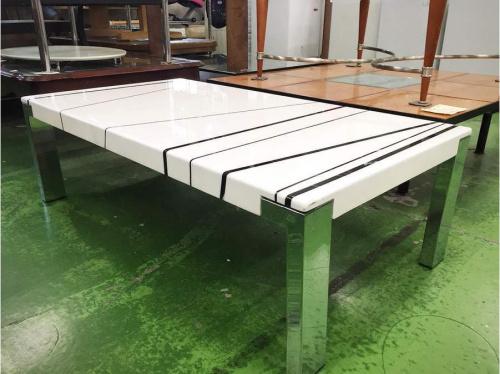 ローテーブルの大理石