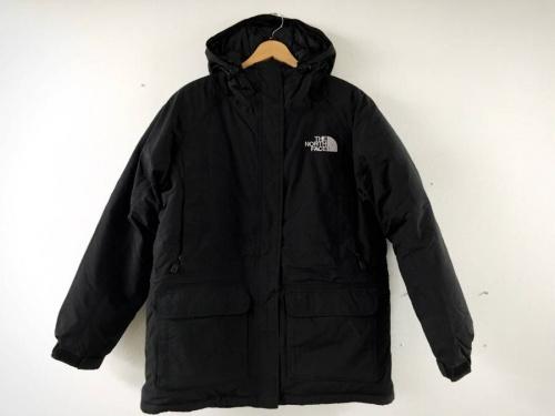 ジャケットのブラック