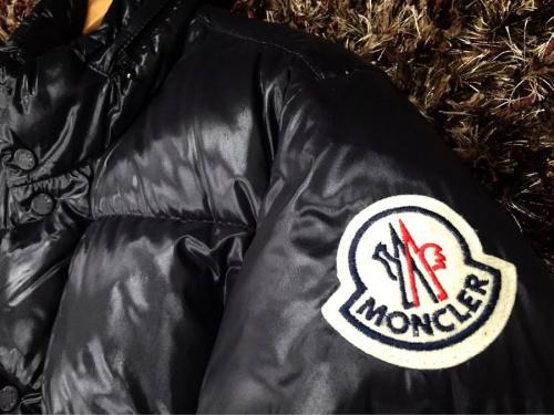 メンズファッションのMONCLER