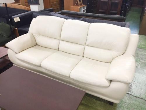 ソファーのホワイト