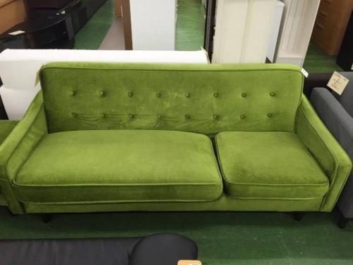 ソファーのグリーン