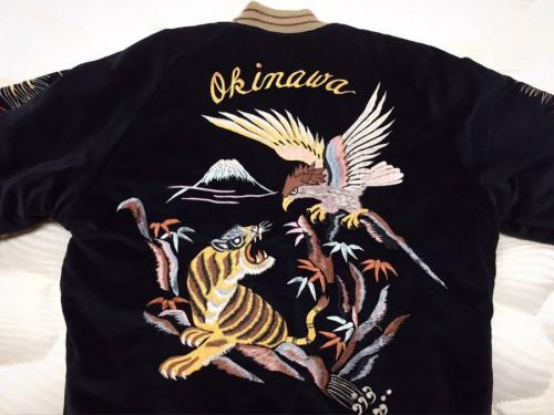 スカジャンのジャケット