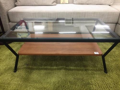 テーブルのガラステーブル
