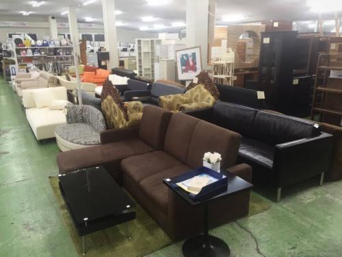 ブラックのソファー