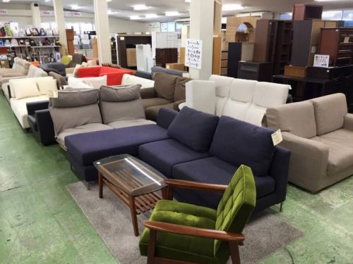 グリーンのソファー