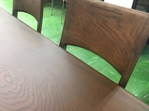 朝日木工のダイニングテーブル