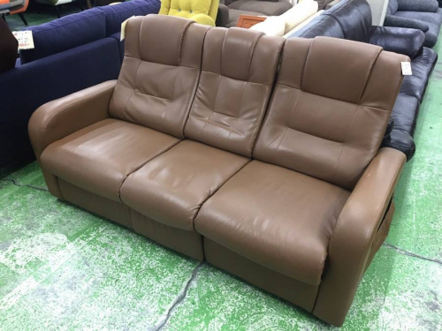 ブラウンのソファー