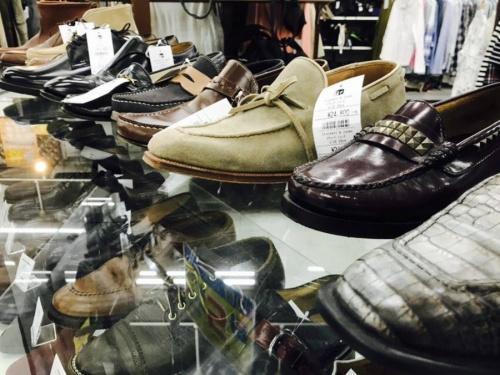 スニーカーの靴