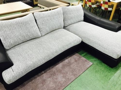 カウチソファーのソファー