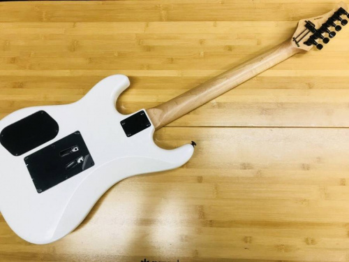 エレキギターのKRAMER