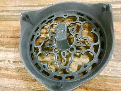テーブルウェアの鍋敷き