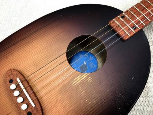 ギターのヤナイギター