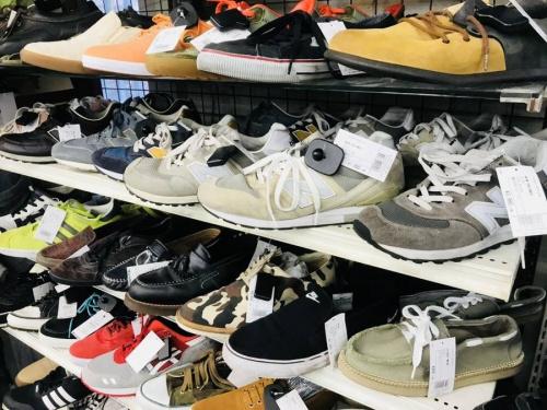 スニーカーの買取強化