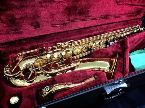 楽器のサックス