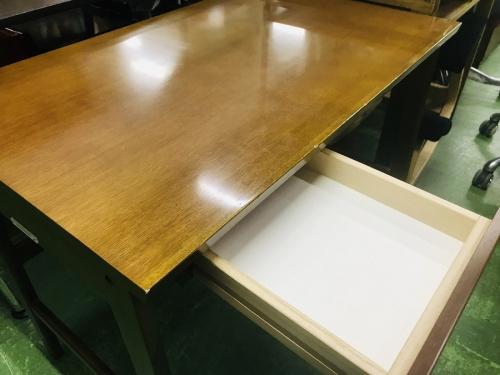 板橋 練馬 中野 池袋 中古 カリモク60+ 買取のデスク